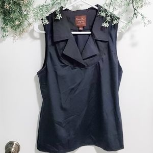 Undercover Agent Black Collared Sleeveless Blouse